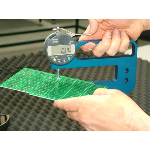 Spesielle kontakttykkelsesmålere for måling av poeng- og skjærtykkelse i trykte kretser