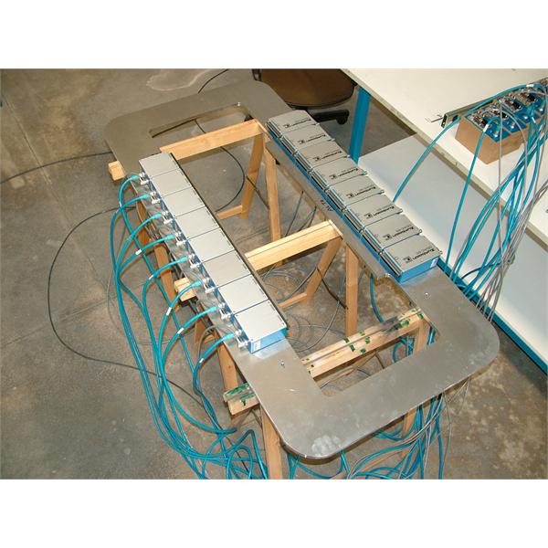 Multidiameter LASER-skanner för flertrådskontroll vid ritning, galvanisering och emaljering av linjer