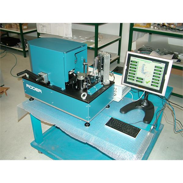 Automatisk utrustning för dimensionell och geometrisk styrning med LVDT-kontaktsonder