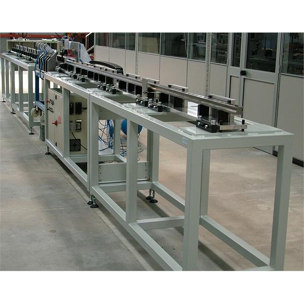 Rakhetsmätning av dragna, skalade, vända och slipade stänger på produktionslinjen