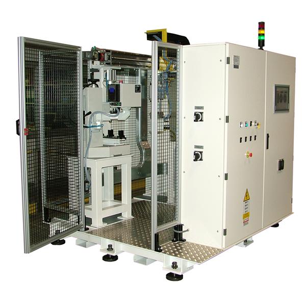 Islas de control robóticas para el control automático de la dureza en pasadores y piezas mecánicas