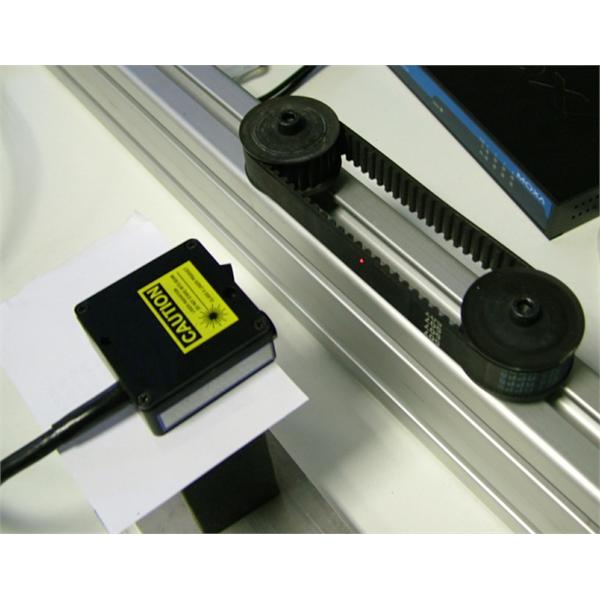 Måling av svingning og vibrasjon av aksler, belter og remskiver med laserkomparatorer og optiske trianguleringssensorer